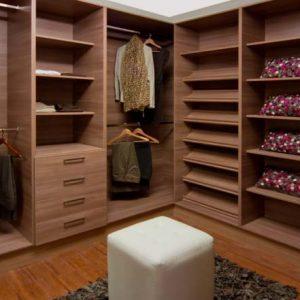 Mueble de vestidor de madera